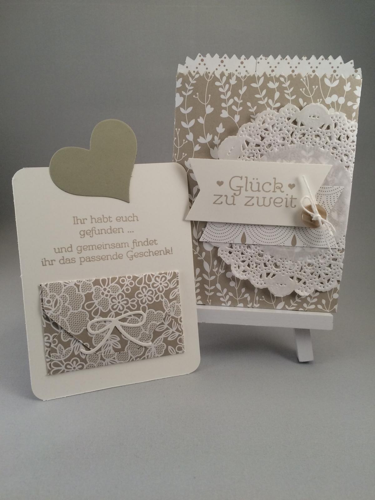 Hochzeitskarte in Saharasand gestaltet mit dem Thinlit Mini Leckereientüte für die Big shot und dem Designpapier Trau dich.