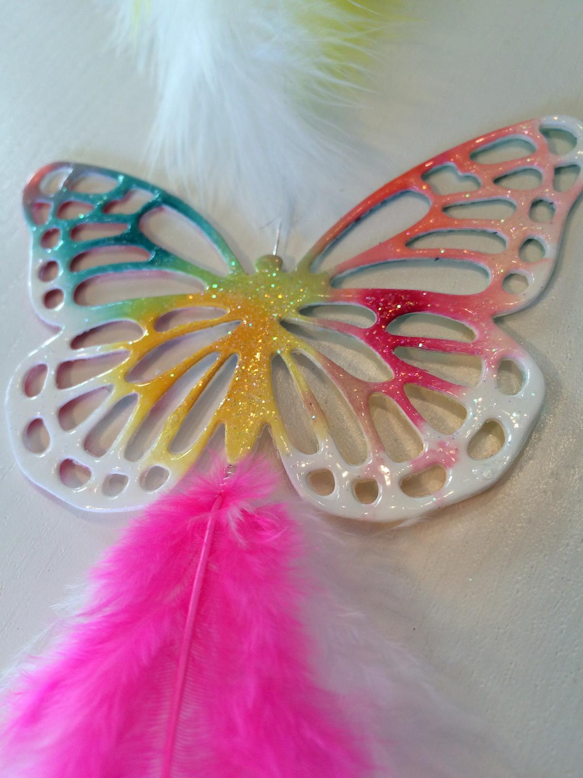 Aquarell Schmetterling mit Lack überzogen und Glitzer Topping