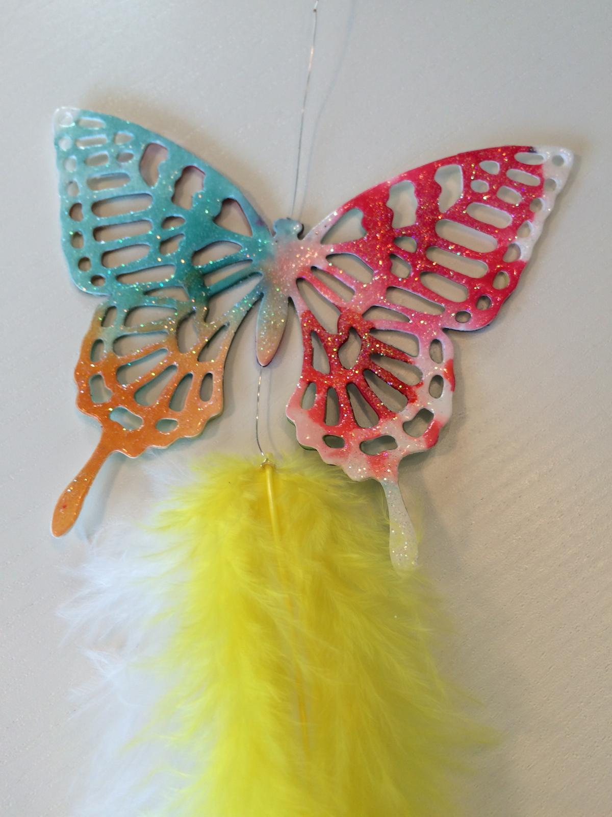 Großer Aquarell Schmetterling mit Lack überzogen und Glitzer Topping