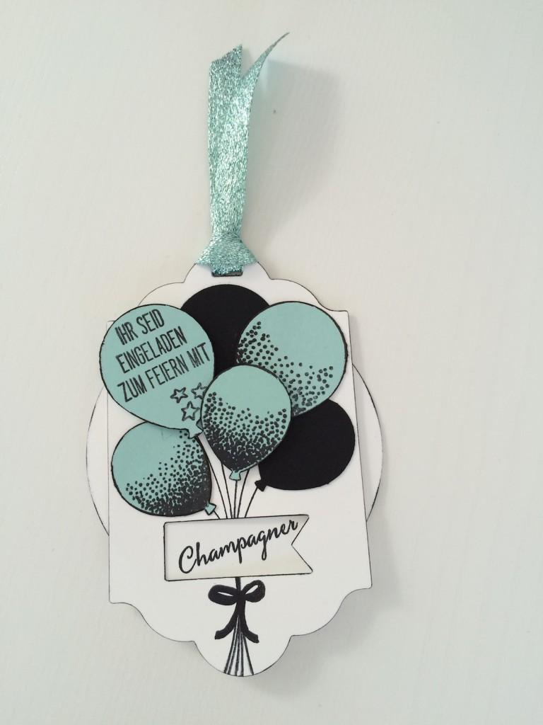 Stampin up Drehkarte Einladung mit Party Ballons in schwarz und Aquamarin mit Champagner