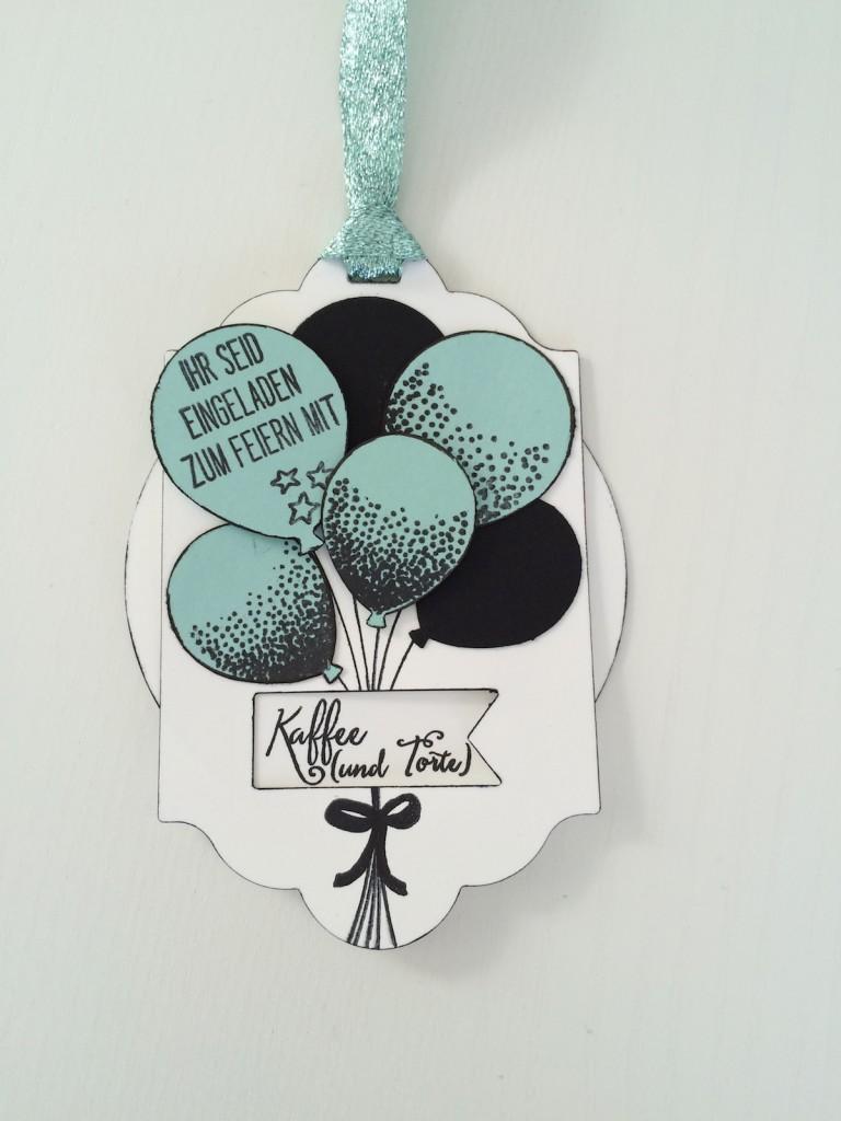 Stampin up Drehkarte Einladung mit Party Ballons in schwarz und Aquamarin mit Kaffe und Torte