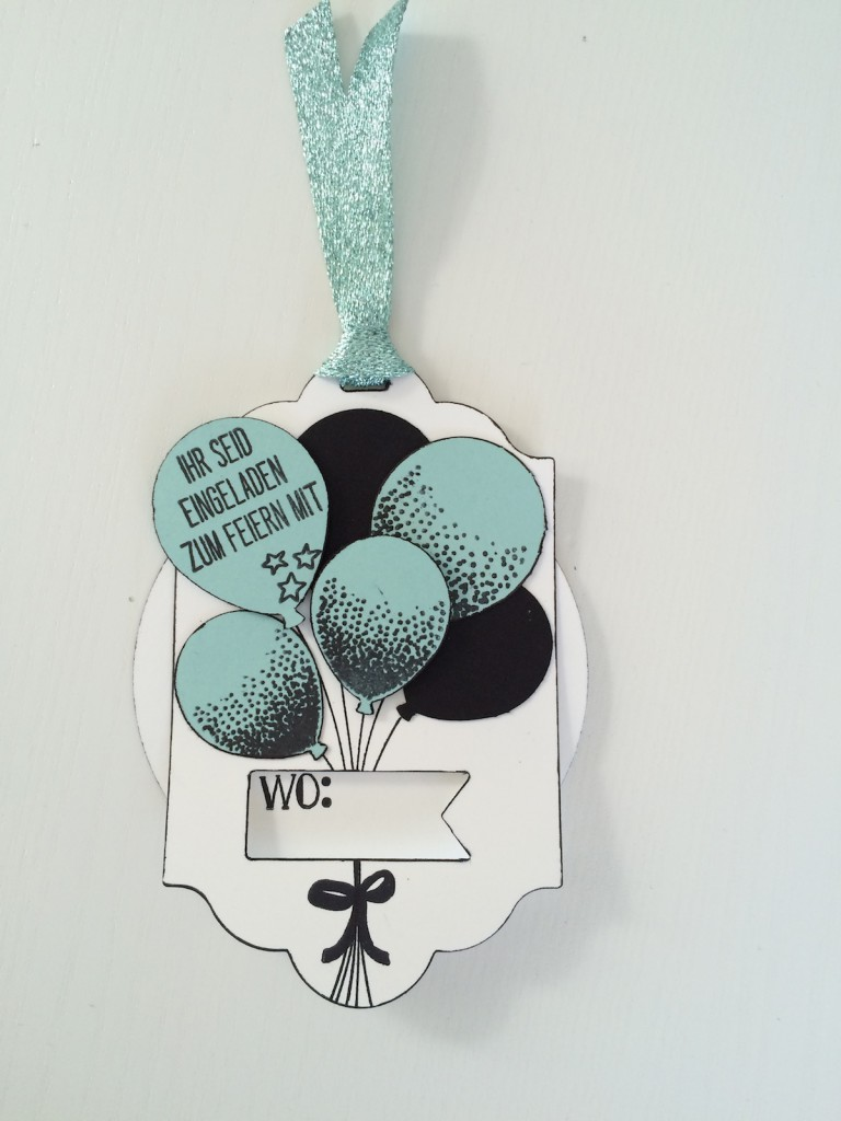 Stampin up Drehkarte Einladung mit Party Ballons in schwarz und Aquamarin - Wo